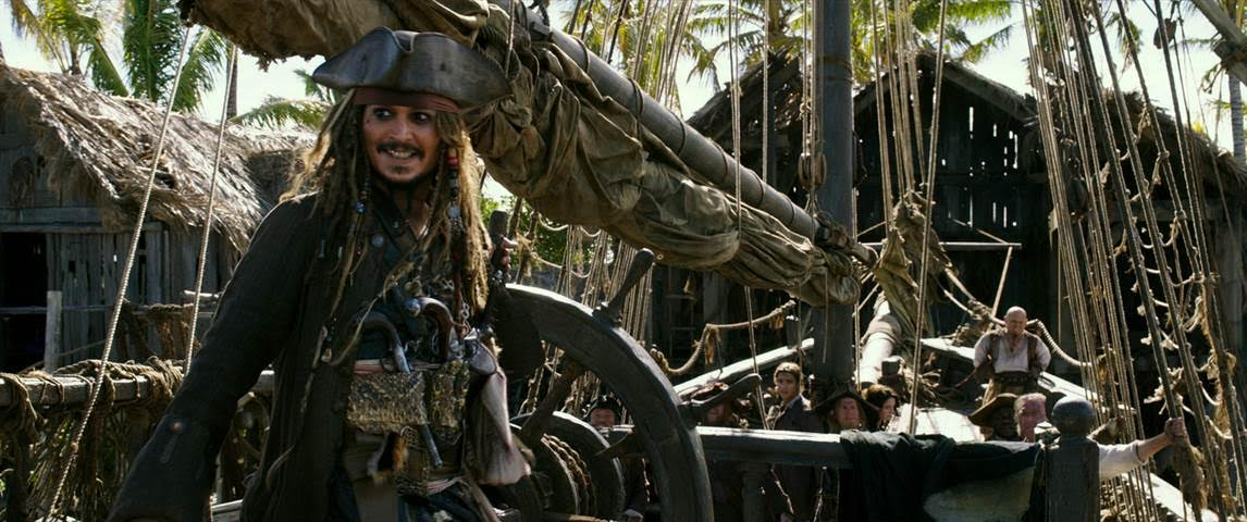 New Pirates of the Caribbean: Dead Men Tell No Tales Clips!