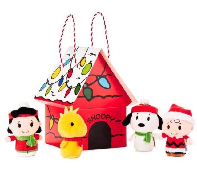 1362a67684 Peanuts Holiday Gift Guide ~ Win A Prize Pack! - Mom the Magnificent